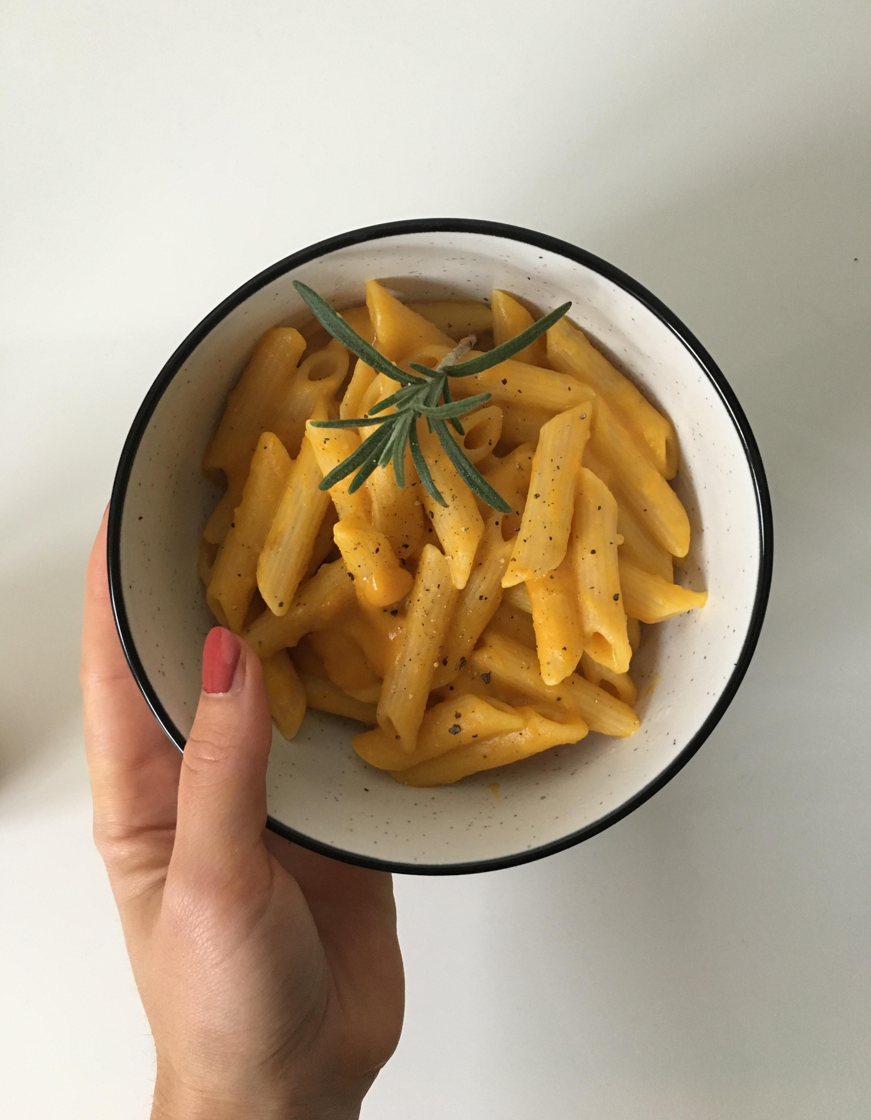 Vegane Käse-Kürbis Mesh mit Pasta
